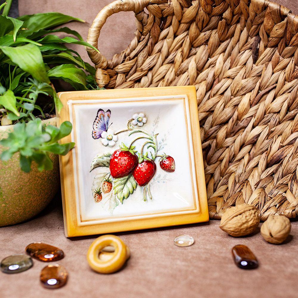 Клубника-декор фото