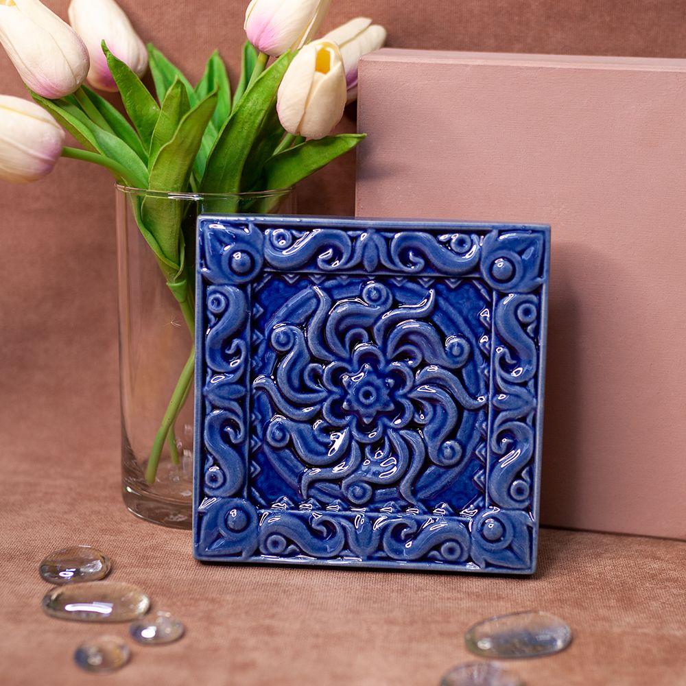 Изразец Лотос одноцветный синий фото