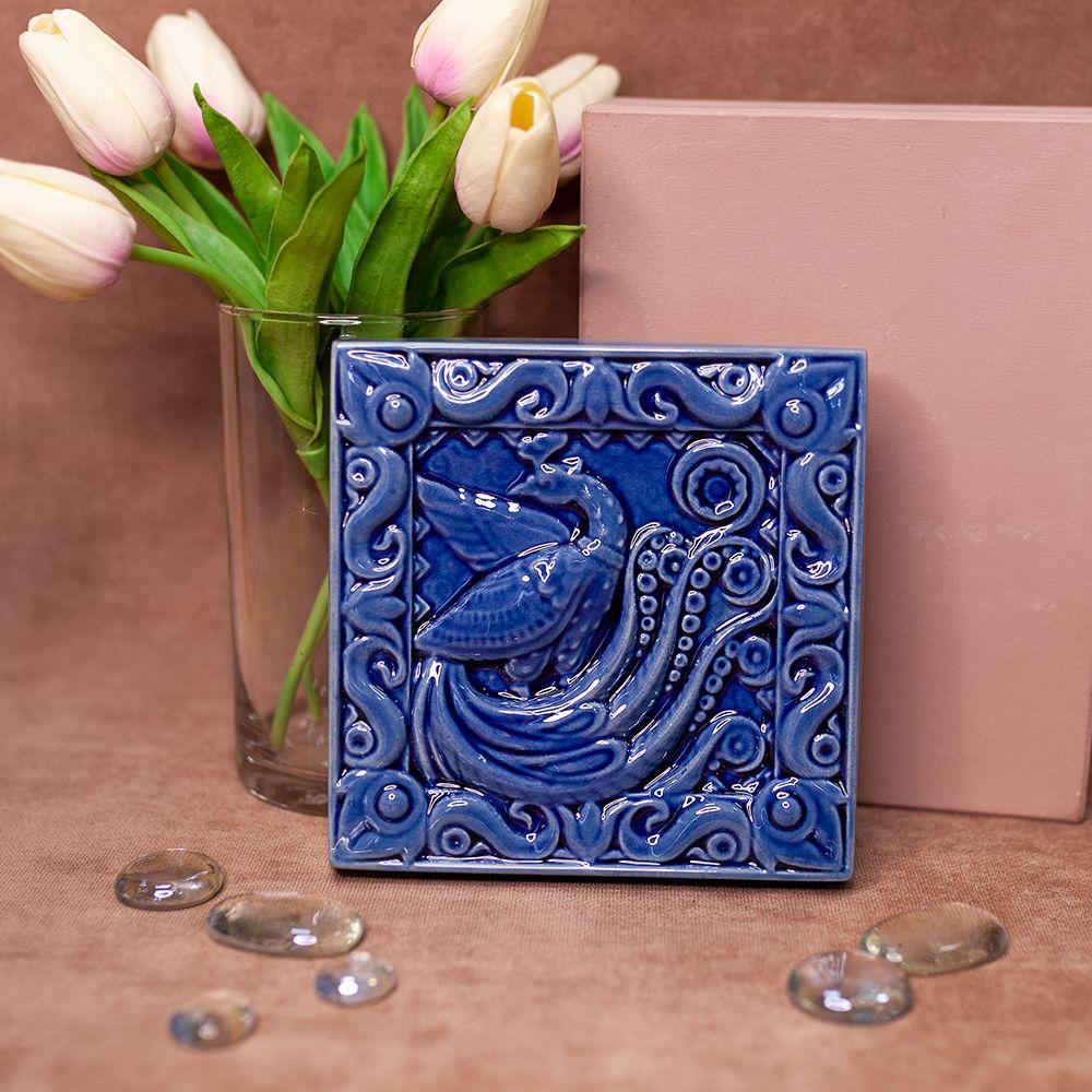 Изразец Павлин одноцветный синий фото