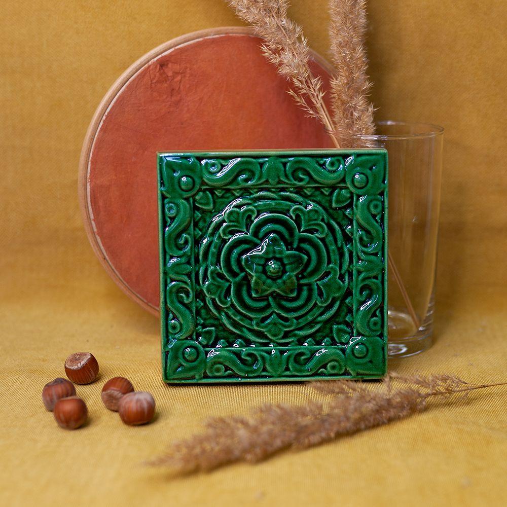 Изразец Чертополох одноцветный зеленый фото
