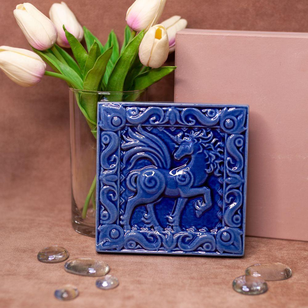 Изразец Единорог одноцветный синий фото