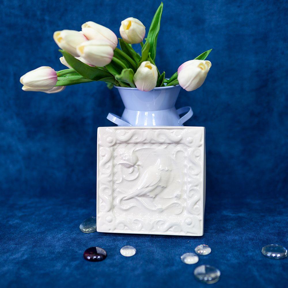 Изразец Соловей одноцветный белый фото