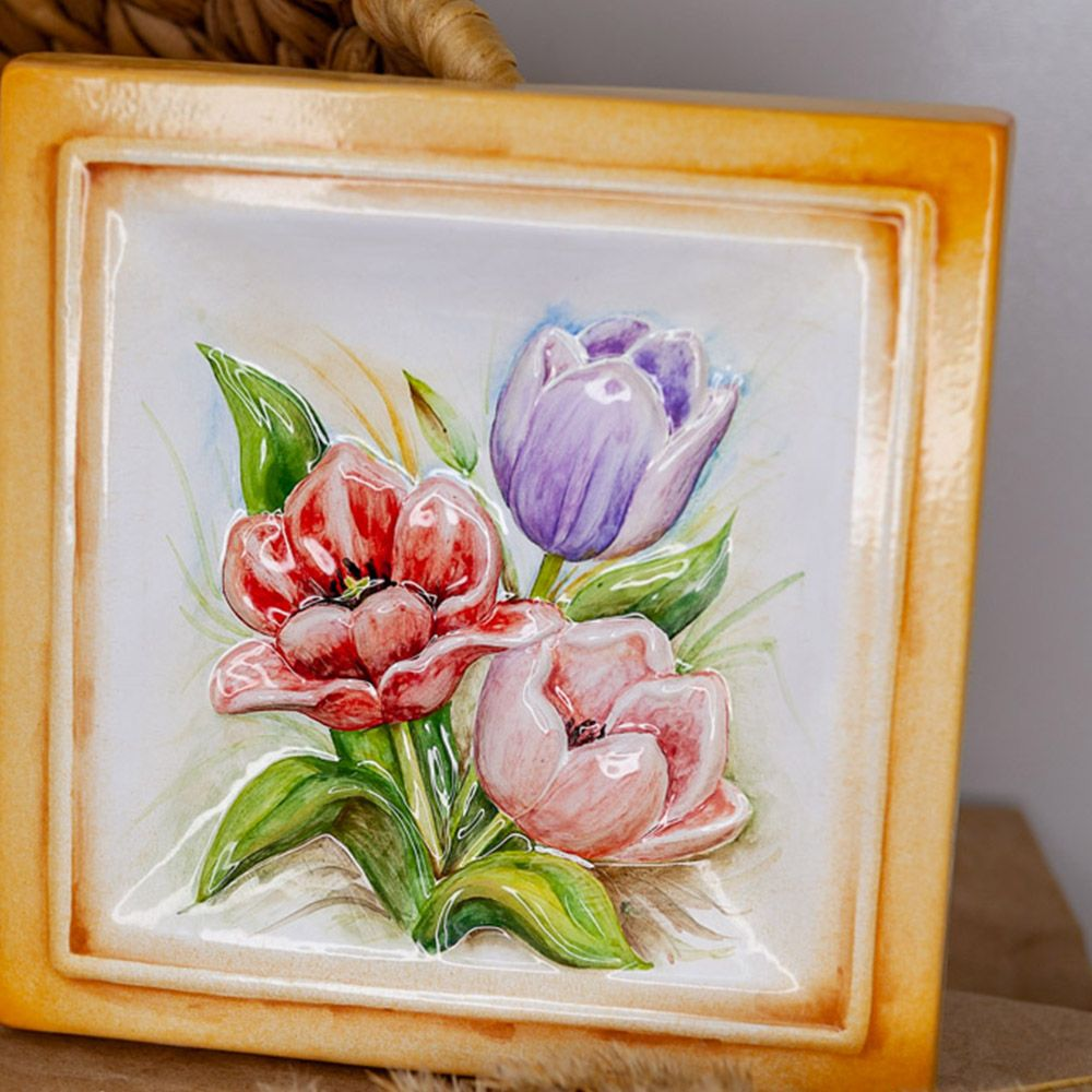 Тюльпаны-декор фото