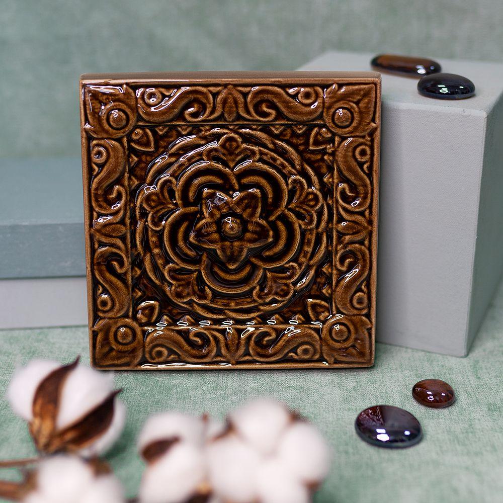 Изразец Чертополох одноцветный коричневый фото