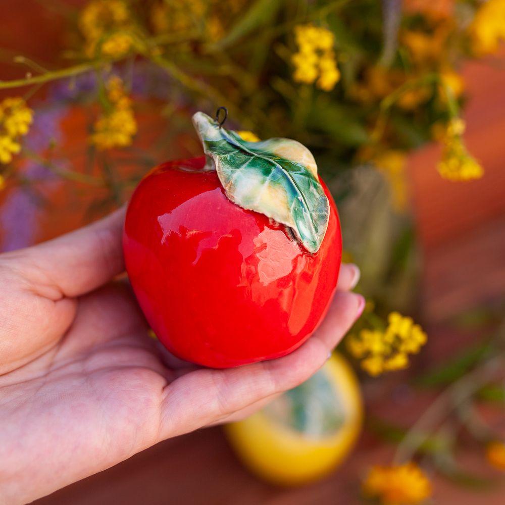 Яблоко (подвес) красное фото