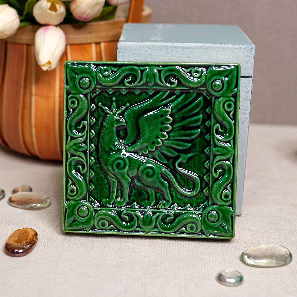 Изразец Грифон одноцветный зеленый фото